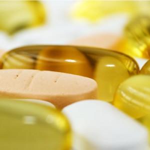 Quercetin, Vitamin D, Iron, Zinc and Thyroid Function